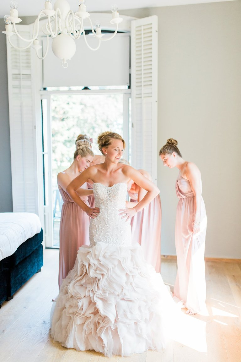 Fine Art Bruidsfotografie Elisabeth Van Lent - Bride getting ready